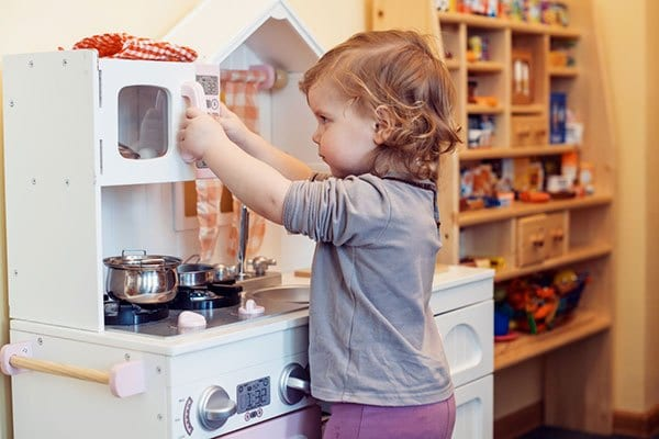 The BEST DIY Toddler Play Kitchen- Toy Kitchens for under $50